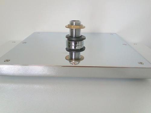 Rociador superior cuadrado para cabina en latón cromado.