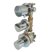 Grifo hidromasaje con 3 llaves, termostática, corte y 4 vías.
